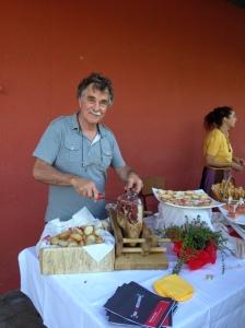 SERGIO AL TAGLIO DEL PROSCIUTTO