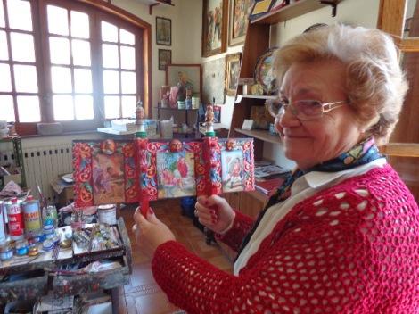 Nerina Chiarenza holding small carrettino door