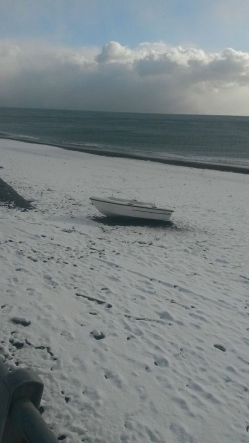 snow-on-roccalumera-beach
